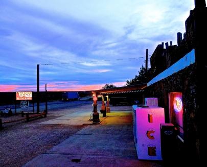 Arizona roadhouse at dusk.